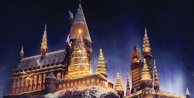 """""""Christmas in The Wizarding World of Harry Potter"""" - Universal S"""
