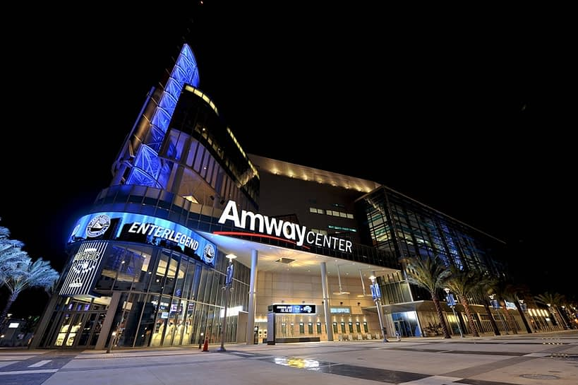O imponente Amway Center
