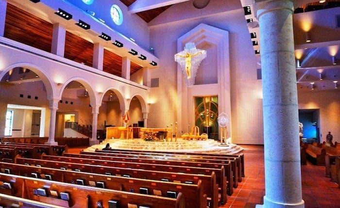 Igrejas com cultos e missas em português em Orlando
