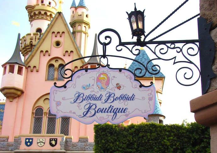 Conheça a Bibbidi Bobbidi Boutique, o salão de beleza que transforma sua filha em princesa da Disney